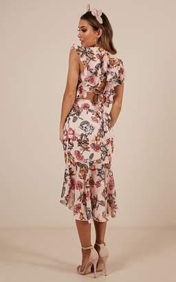Showpo Tighten The Strings Dress in Blush Floral - 6 (XS) Dresses