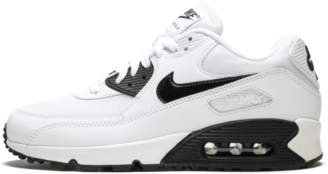 Nike 90 Essential - White/Black