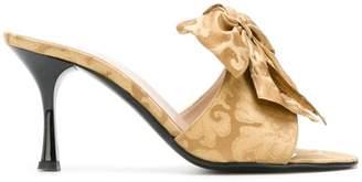 LaBelle Les Chaussons De brocade bow mules