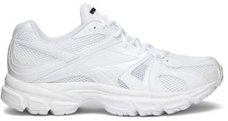 Vetements Spike Runner 200 Mesh Trainers - Womens - White