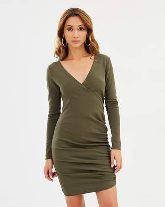 Missguided Stretch Crepe Ruched Side Bodycon Dress