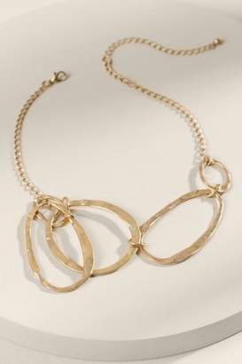 francesca's Kristie Hammered Metal Necklace - Gold