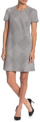 Modern American Designer Houndstooth Ponte Short Sleeve Dress
