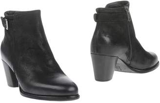 Alexander Hotto Ankle boots - Item 11268939UG