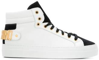 Moschino logo plaque sneakers