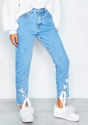 16bb2582c9 Missy Empire Missyempire Felicity Denim Ribbon Frayed Hem Cropped Jeans
