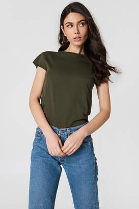 Na Kd Basic Raw Edge Tee Army Green