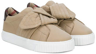 Burberry trench knot gabardine sneakers