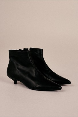 Jaggar The Label RISE LEATHER KITTEN HEEL BOOT black