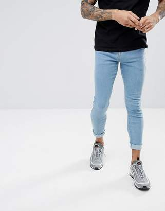 Hoxton Denim Muscle Fit Cropped Jeans in Light Wash