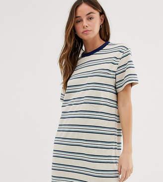 Quiksilver Striped dress in blue
