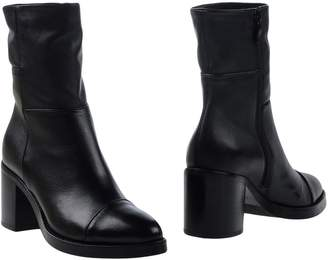 Janet & Janet Ankle boots - Item 11269502MO