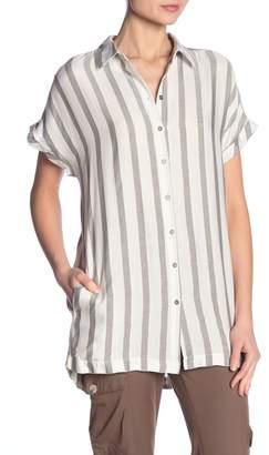Dress Forum Short Sleeve Striped Collar Shirt