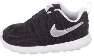 Nike Boys' Mesh Roshe Sneakers