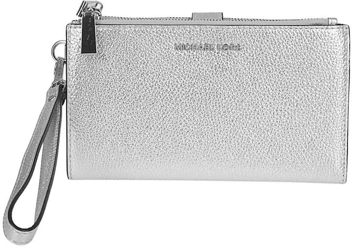 Michael Kors Adele Clutch - SILVER - STYLE