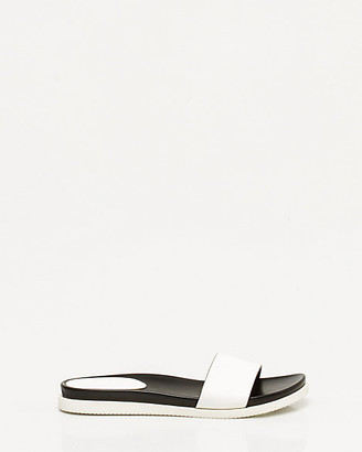 Le Château Faux Leather One Band Slide Sandal