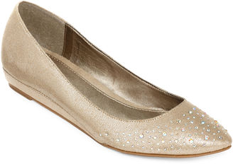 CL BY LAUNDRY CL by Laundry Sherilyn Flats $60 thestylecure.com