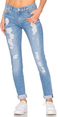 Tommy Hilfiger TOMMY X GIGI Venice Jeans $189 thestylecure.com