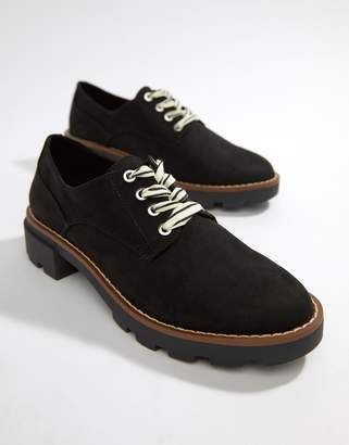 Pull&Bear cleated sole lace up shoe in Black
