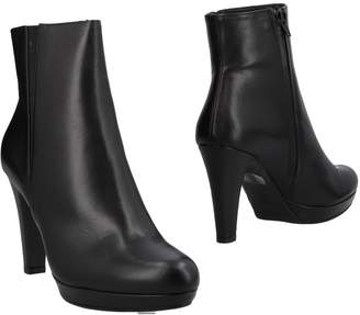 L'amour Ankle boots