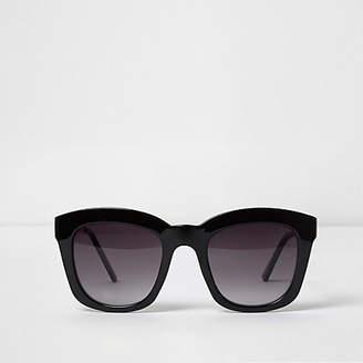 River Island Womens Black oversized glam smoke lens sunglasses