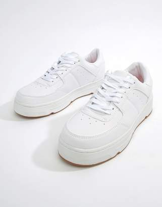 Pull&Bear trainer with gum sole in White
