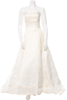 Vera Wang Silk Organza Wedding Gown $975 thestylecure.com