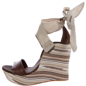 UGG Australia Leather Jules Serape Wedges w/ Tags $65 thestylecure.com