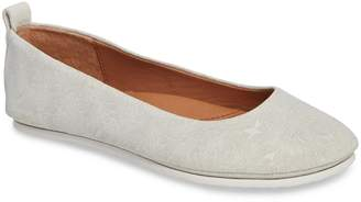 Gentle Souls by Kenneth Cole Dana Flat
