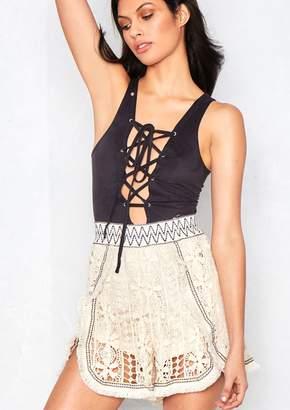 Missy Empire Missyempire Palma Beige Crochet Bohemian Shorts
