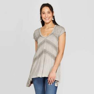 Knox Rose™ Women's Short Sleeve V-Neck Lace Detail Knit Top With Oil Wash Gray