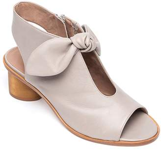 Bernardo FOOTWEAR Luna Sandal