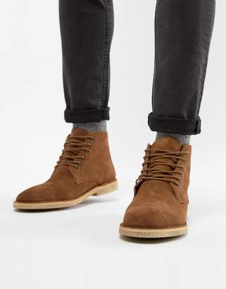 Asos Design DESIGN desert boots in tan suede with leather detail