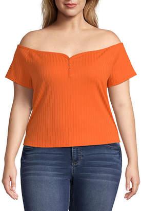 Arizona Straight Neck Short Sleeve T-Shirt Juniors Plus