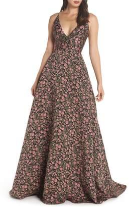 ML Monique Lhuillier V-Neck Jacquard Evening Dress