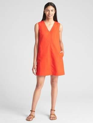 Gap Sleeveless V-Neck Stripe Shift Dress in Linen-Cotton