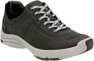 Clarks r) Wave Andes Sneaker
