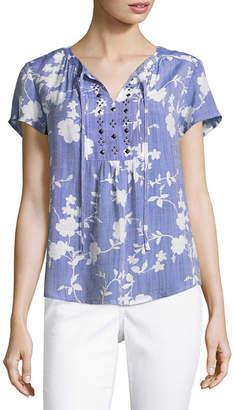Liz Claiborne Short Sleeve Split Crew Neck Woven Embellished Blouse