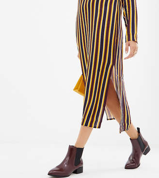 Monki pointed toe Chelsea boots in burgundy