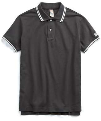 Todd Snyder + Champion Short Sleeve Tipped Pique Polo in Black