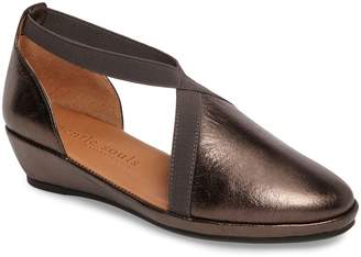 Kenneth Cole Gentle Souls by Natalia Wedge