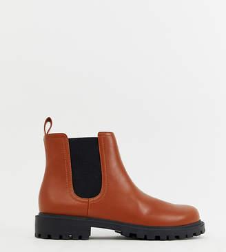 Monki Chelsea boots in faux leather in tan