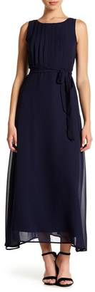 Sharagano Sleeveless Pleated Maxi Dress (Petite)