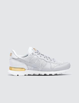 Nike W Internationalist SE PRM $91 thestylecure.com