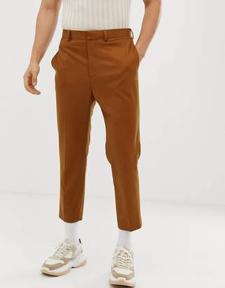 700091db0dc4 Asos Design DESIGN tapered crop smart trouser with pleats in camel