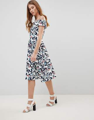 Yumi Leaf Print Prom Dress