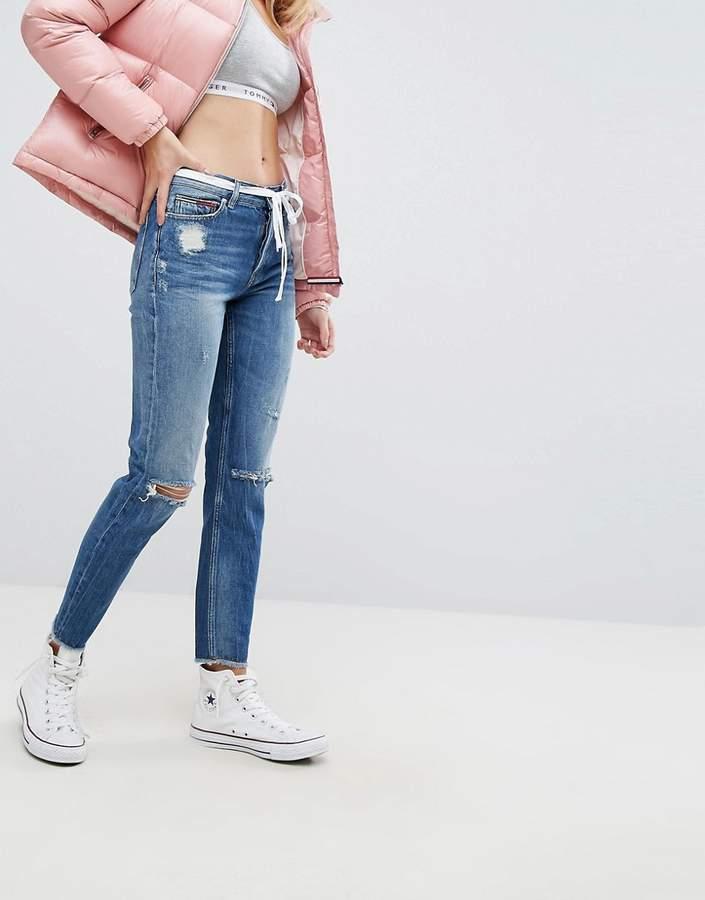 – Izzy – Jeans mit hohem Bund und Zierrissen am Knie