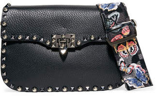 Valentino Garavani The Rockstud Rolling Textured-leather Shoulder Bag - Black