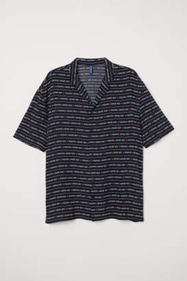 H&M Resort Shirt with Printed Text - Black