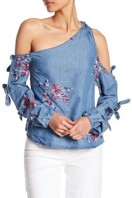 Romeo & Juliet Couture Off-the-Shoulder Denim Tie Shirt